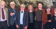foto di gruppo tomax teatro e spi cgil progetto 2 agosto con la vicesindaco Marilena Pillati